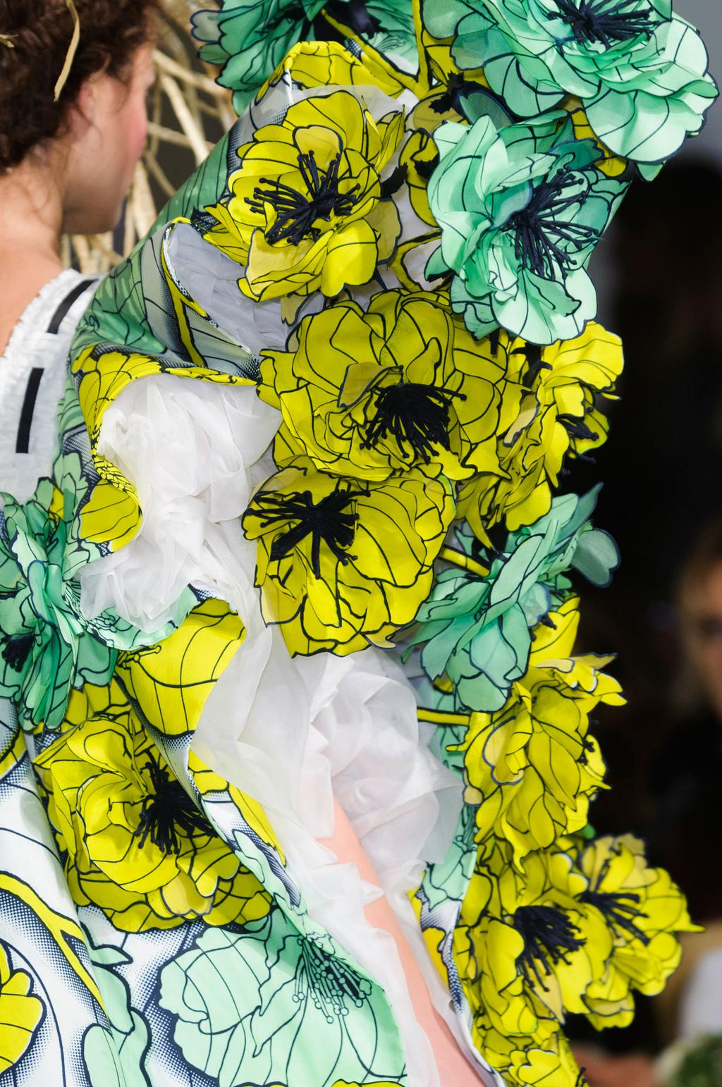 detail-defile-viktor-amp-rolf-printemps-ete-2015-paris-detail-24