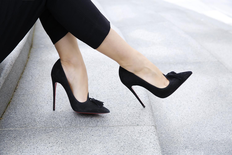 bir kadinin gardrobunda bulunması gereken ayakkabı modelleri