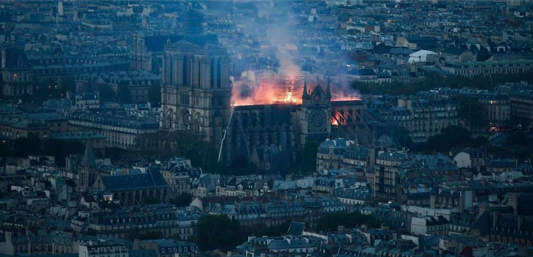 00 Notre Dame katedrali yangını TIME objektifinden