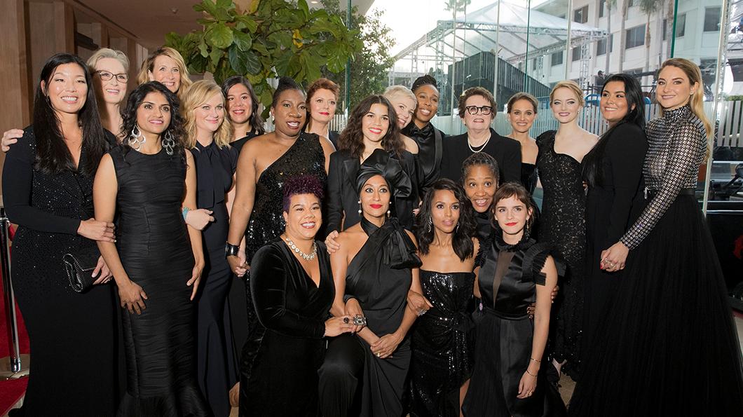 01 Altın Küre Ödüllerinde siyahlar içinde kadınlar