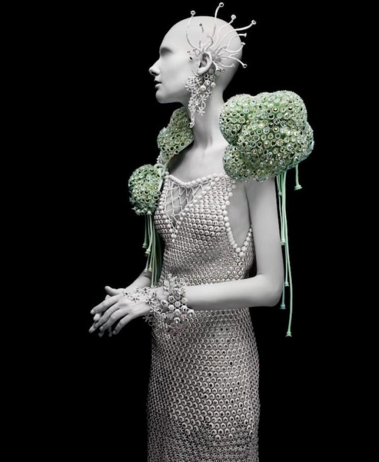 Melinda Loli tarafından tasarlanmış Gems of The Ocean elbise