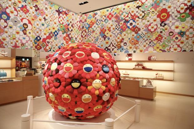 07 Murakami LV mağaza tasarımı