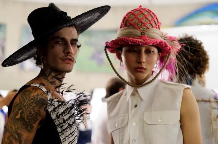 06 NY Moda Haftası'Nda Palomo Spain İlkbahar 2019 defilesinde cinsiyetsizlik ön plandaydı